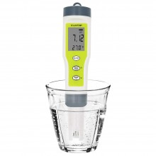 MILWAUKEE pH55 pocket-size pH & Temperature Meter